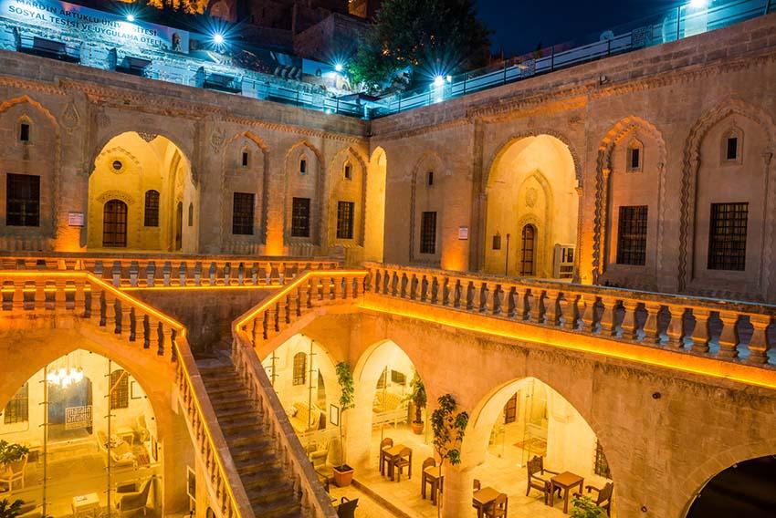 Read more about the article جامعة ماردين افتتحت قسم جديد للدراسة باللغة العربية